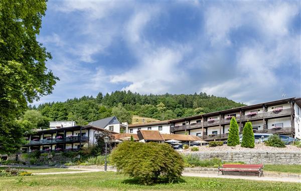 Kurgarten-Hotel Wolfach, Schwarzwald. Rollstuhl/Pflegezimmer 10